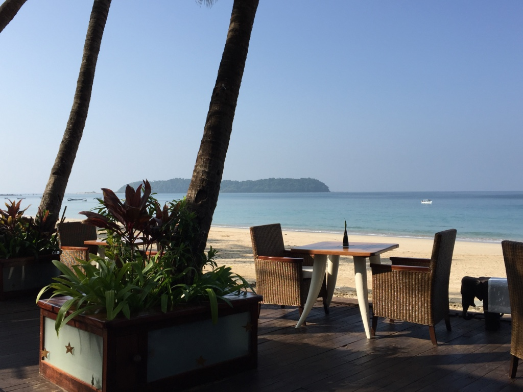 sandoway-resort-ngapali-beach-myanmar-breakfast-travel-highlife