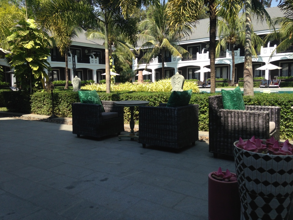 shinta-mani-resort-siem-reap-breakfast-area-travel-highlife