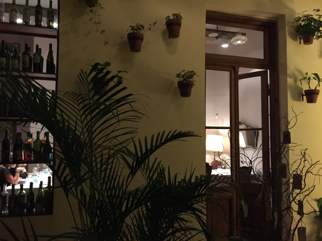 casa-coupage-restaurant-buenos-aires-walls-travel-highlife