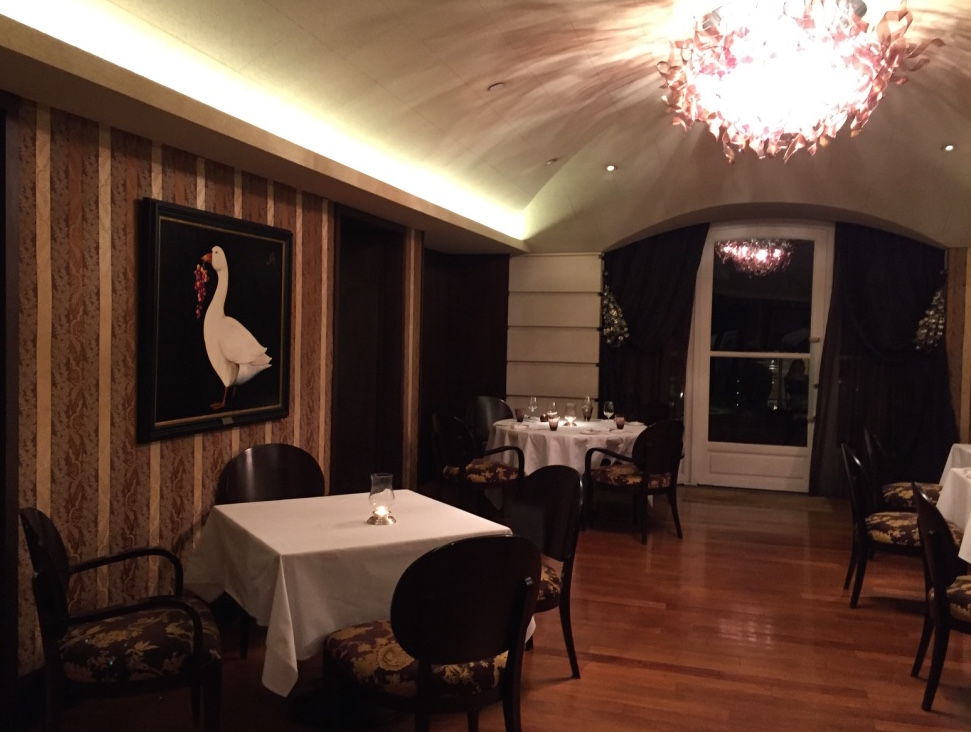 duhau-restaurant-vinoteca-buenos-aires-diningroom-travel-highlife