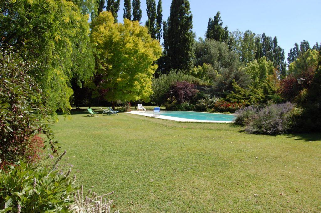 casa-glebinias-chacras-de-coria-mendoza-pool-travel-highlife
