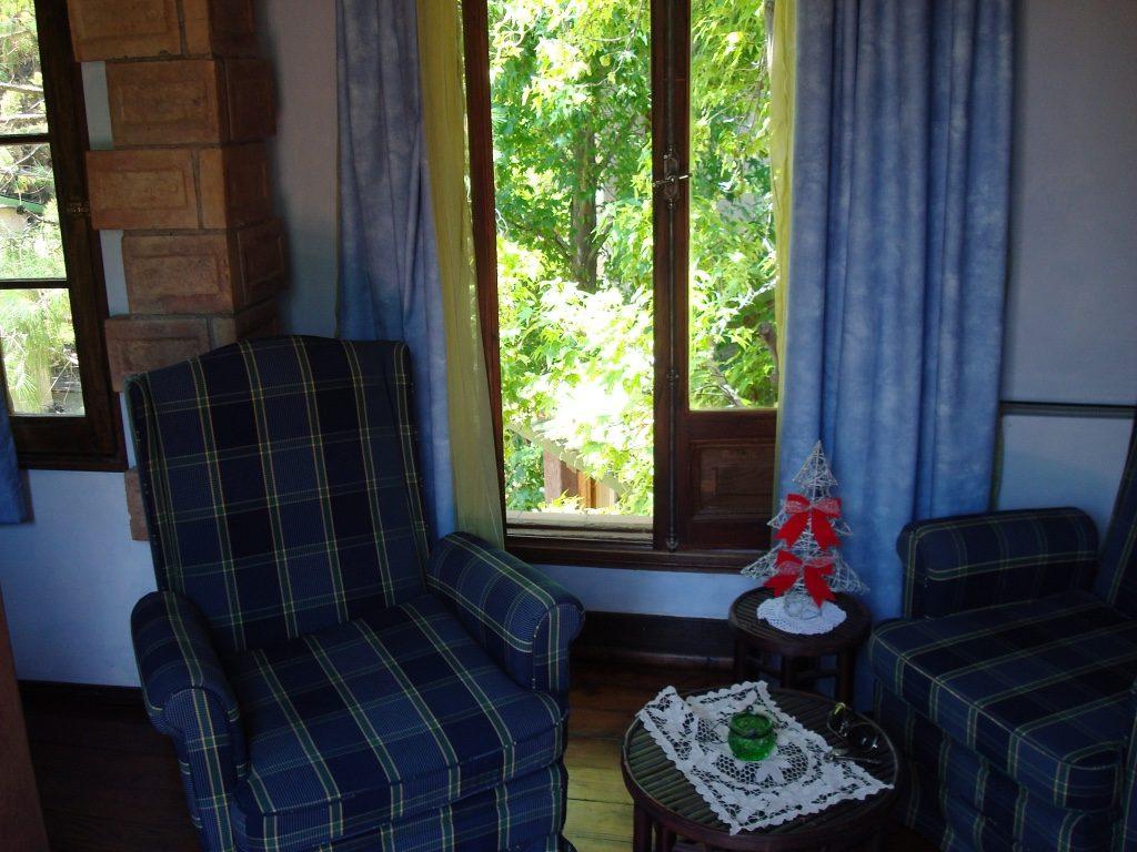 casa-glebinias-chacras-de-coria-mendoza-sitting-room-travel-highlife