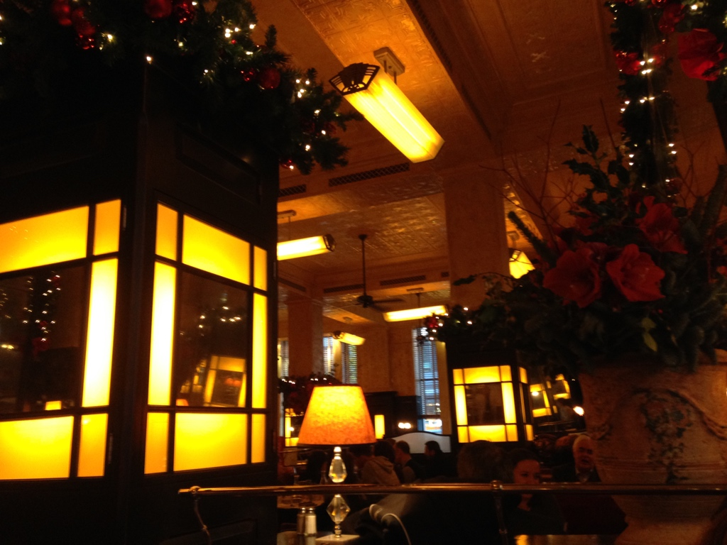 The Colony Grill, London: A dull night of mediocre food