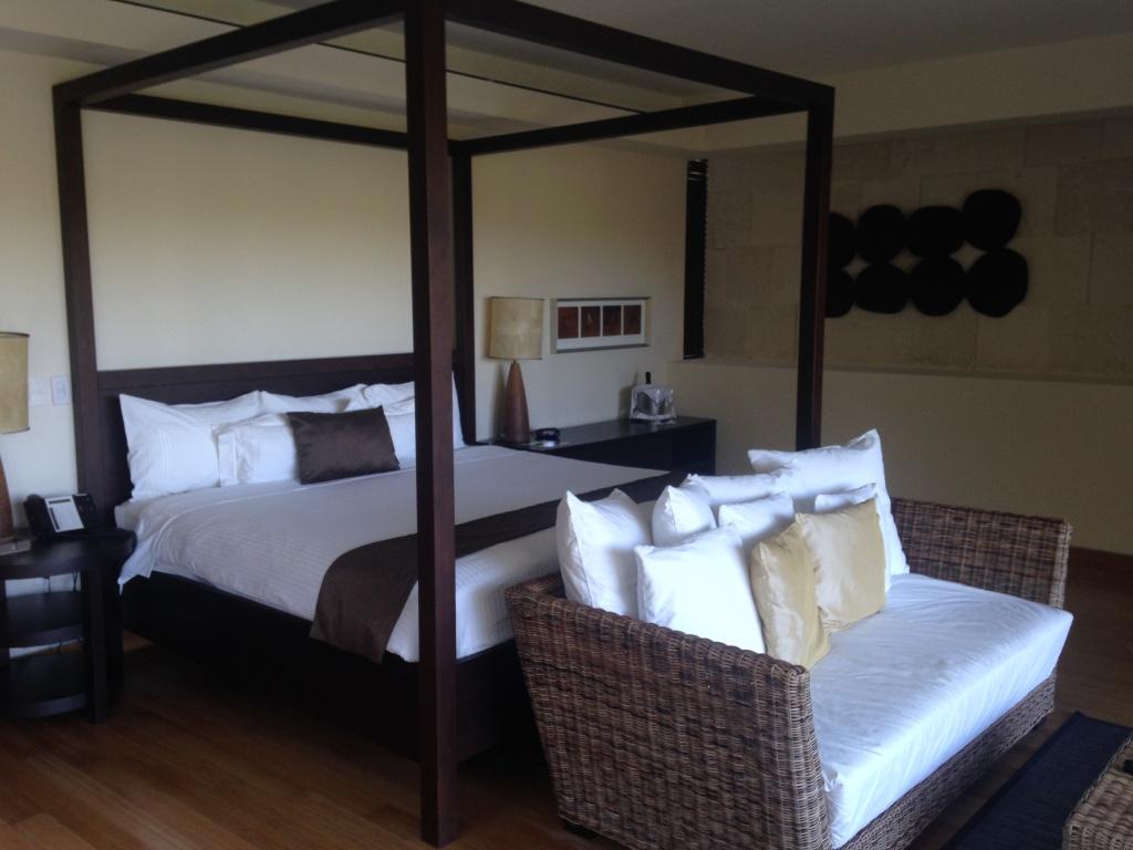 blue-diamond-riviera-maya-resort-playa-del-carmen-bedroom-travel-highlife