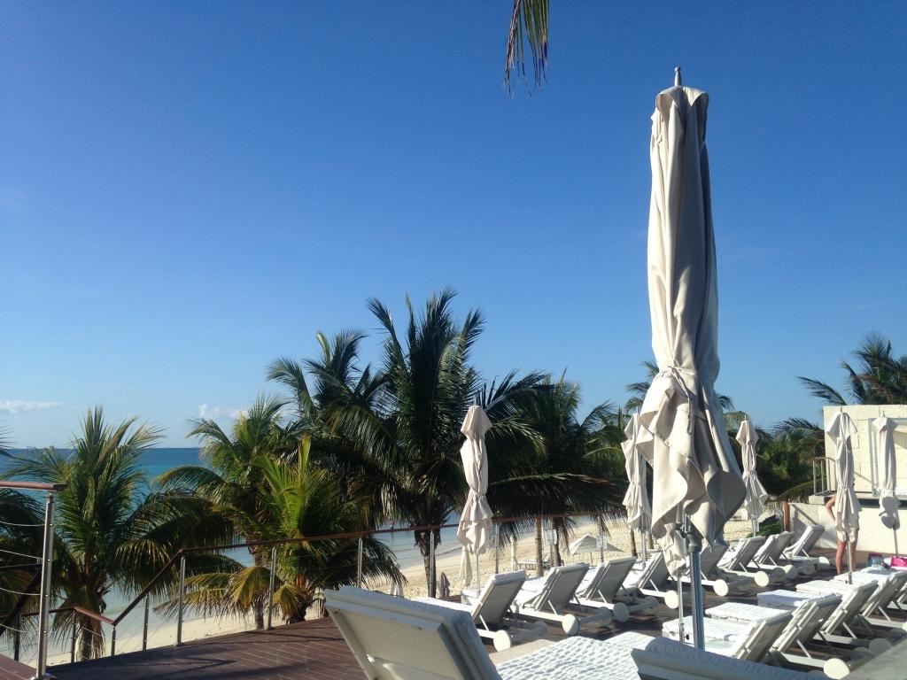 blue-diamond-riviera-maya-resort-playa-del-carmen-pool-view-travel-highlife