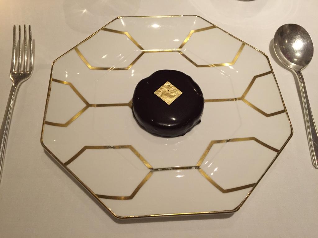 gauthier-soho-restaurant-london-dark-chocolate-praline-travel-highlife