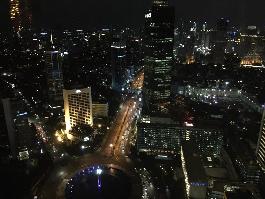 keraton-plaza-hotel-luxury-collection-night-panorama-travel-highlife
