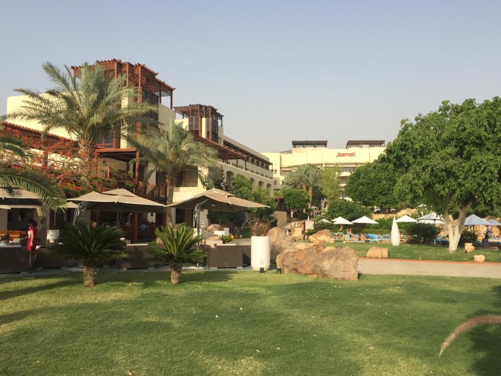 marriott-dead-sea-hotel-jordan-outdoor-lounge-travel-highlife