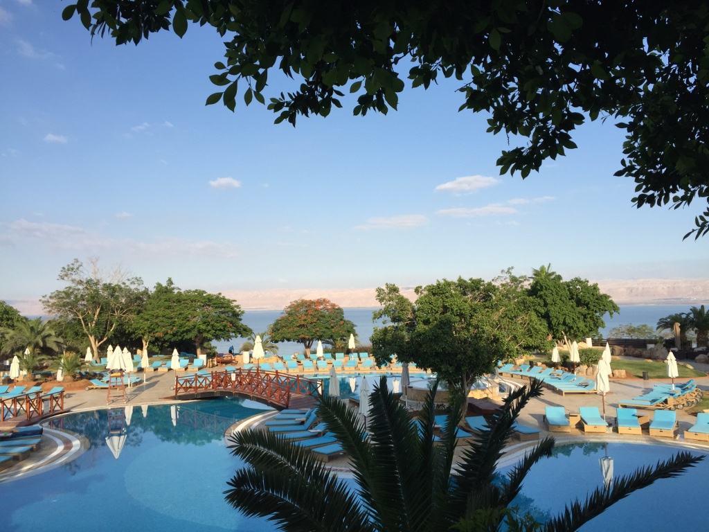 marriott-dead-sea-hotel-jordan-pool-panorama-travel-highlife
