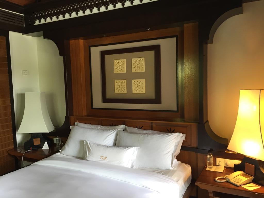pangkor-laut-resort-malaysia-small-luxury-hotels-bedroom-travel-highlife