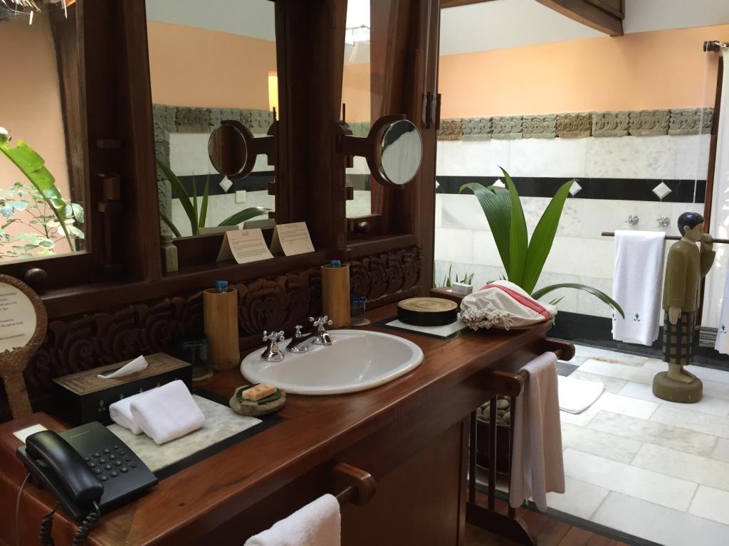 sandoway-resort-ngapali-beach-myanmar-bathroom-travel-highlife