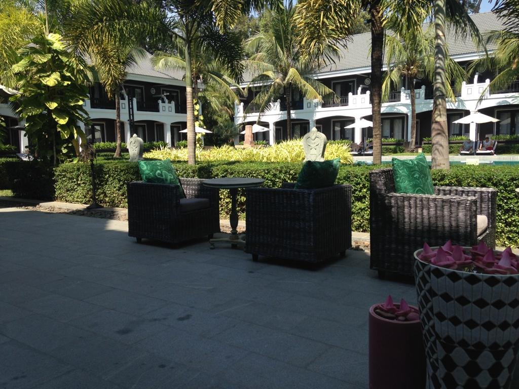shinta-mani-resort-siem-reap-breakfast-area-travel-highlife