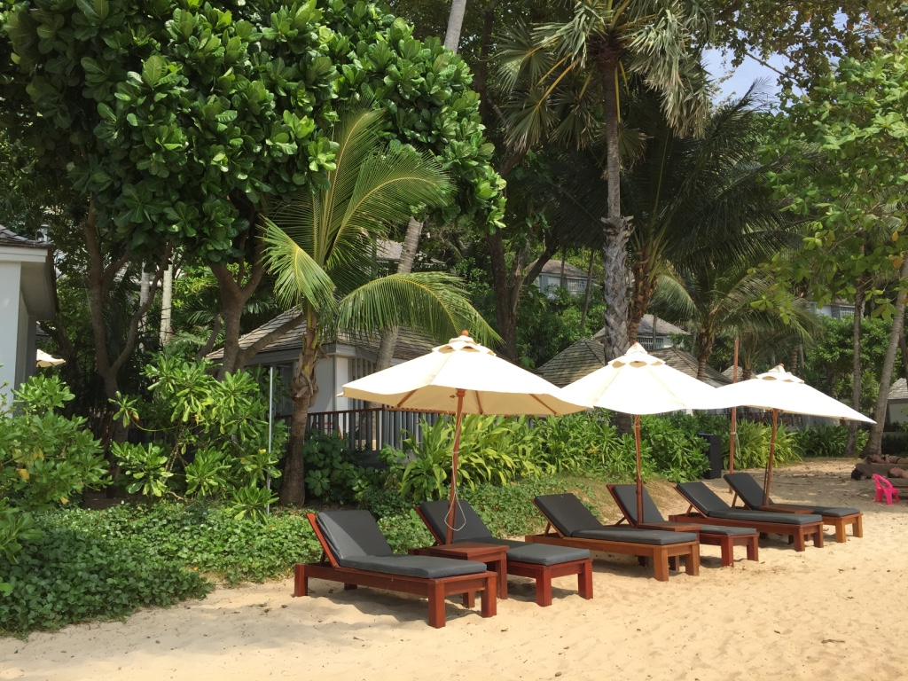 the-surin-resort-hotel-phuket-sunloungers-beach-travel-highlife