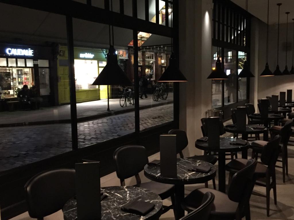 monmouth-kitchen-restaurant-london-seating-area-travel-highlife